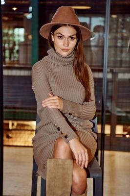 Rochie pulover Model 150416 Lemoniade bej