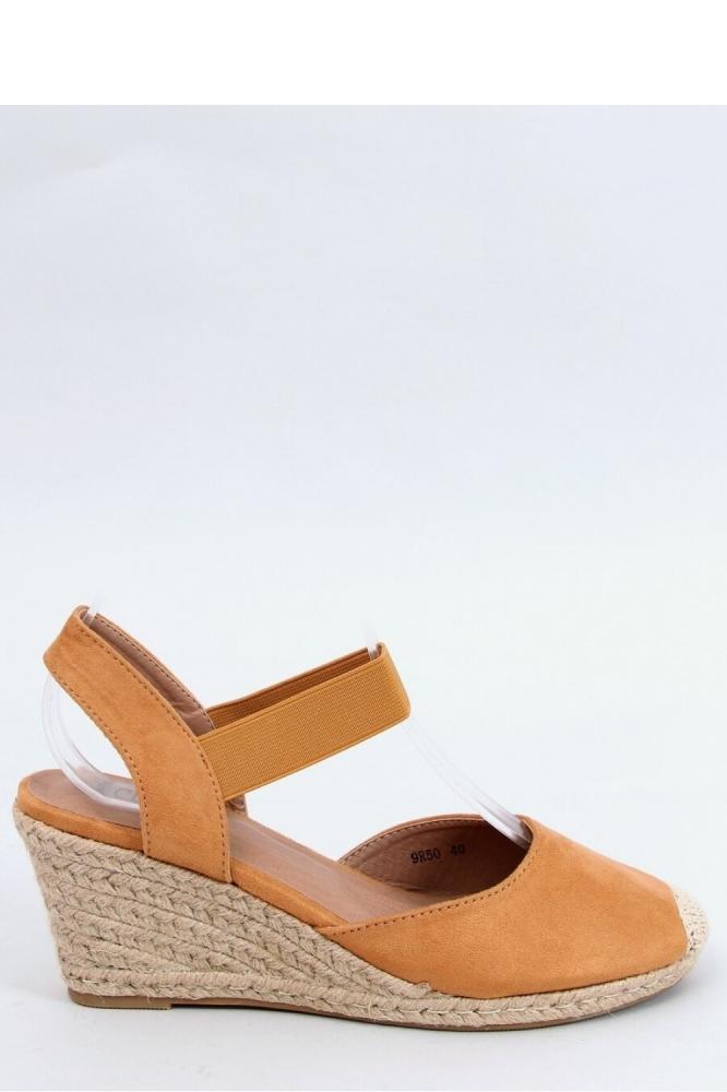 Sandale cu platforma Model 153955 Inello maro